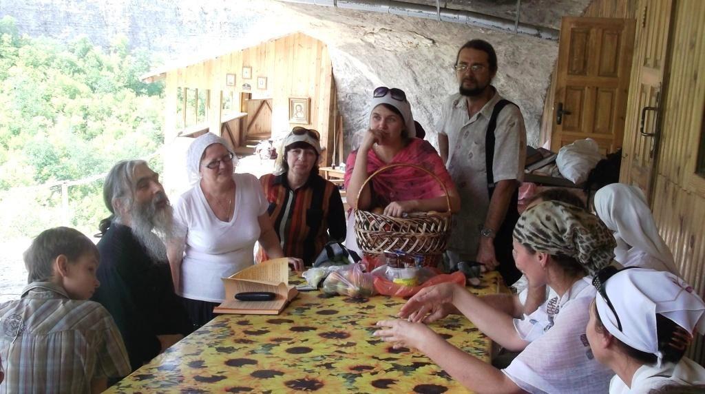После службы в монастыре Феодора Стратилата 2012 г