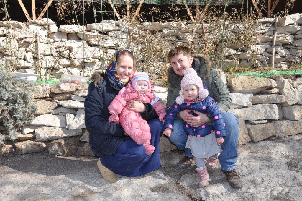 Семья. Игорь, Анна и девочки Маша и Лиза