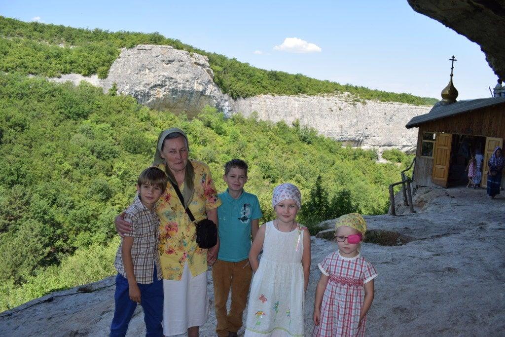 Елена Сергеевна с детишками